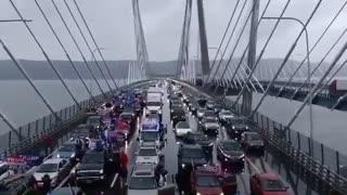 Massive 2500 car Trump parade on Tappan Zee bridge New York
