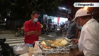 Noche Vive: Vendedor de arepas con lechera