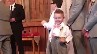 Kids Add Some Comedy To A Wedding - Big Fail