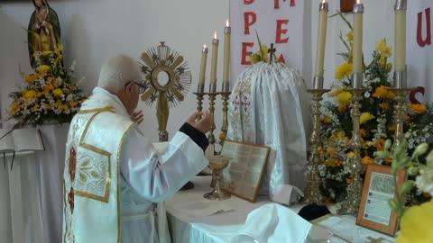 534 - Santa Misa Completa con Exposición del Santísimo Sacramento.