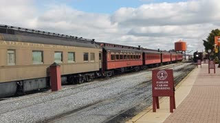 Strasburg Railroad Canadian National #89 pulling in to station