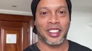Ronaldinho dio positivo para coronavirus