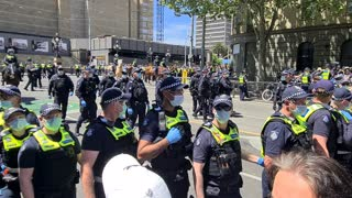 Vic Police Kettling