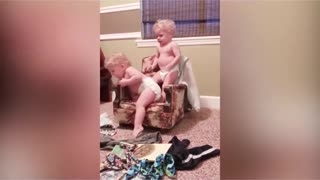 Most hilarious siblings baby's funny moments