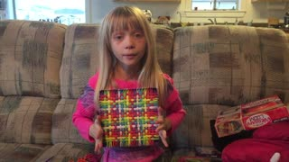How to with Brooke - Pot Holder Weaving