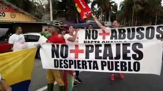 Protesta contra alza de pajes