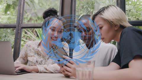 La ONU recluta 110.000 influencers para corregir el pensamiento incorrecto en la red