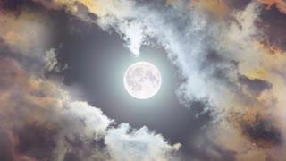 Moon is looking beautiful 😍