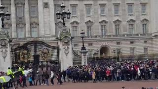Buckingham Palace, Guards band playing Abba