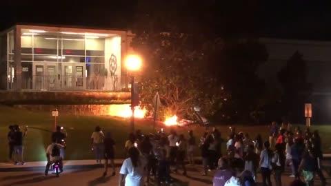 BLM sets POLICE STATION on FIRE - Rock Hill, SC