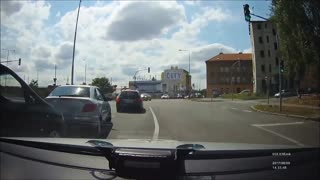 Police Pursuit Compilation with Some International Flavor...