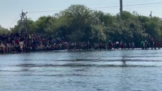 INSANE New Footage Shows Hundreds of Illegals Streaming into US in Broad Daylight