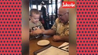 Babies watching dad pulling magic tricks-FUNNY BABIES