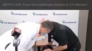 Nurse Faints due to Covid Vaccine