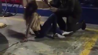 Policía exorcista luchó contra una mujer 'poseída'
