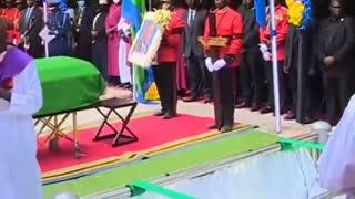 Ceremonia fúnebre de Magafuli, el presidente de Tanzania asesinado por engañar a la OMS