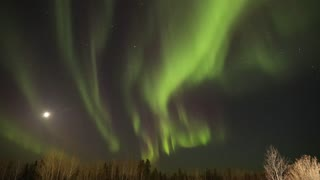 Northern Lights and Full Moon Timelapse