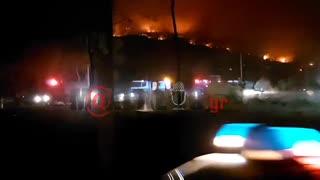 makeleio.gr - Ανεξέλεγκτο το μέτωπο στη Βαρυμπόμπη