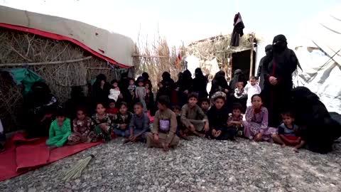 Yemenis who fled Marib fighting wait help