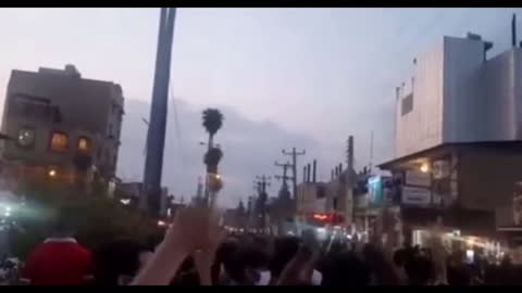 Iranians Arm And Take To The Streets!