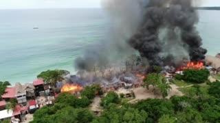 Incendio en playa blanca desde el aire