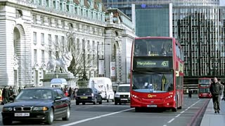 Amazing Street Video Record Red Bus 2 Floors