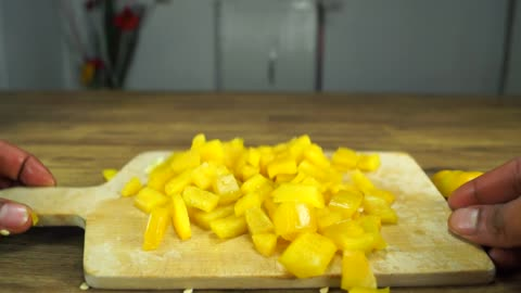 Life Hack: Fastest way to cut a bell pepper
