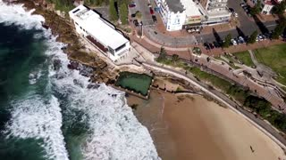 Drone footage shows Sydney's lockdown beaches
