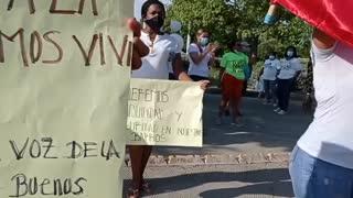 Residentes protestan en el barrio La Troncal