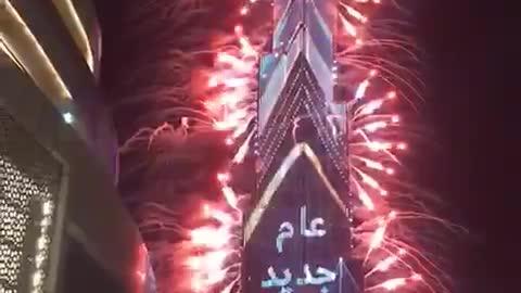 See the beauty of celebrating Christmas 2021 at Burj Khalifa in Dubai