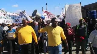 Hundreds of Protestors in Khayelitsha move through the streets protesting for service delivery