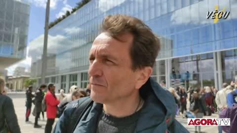 Manifestation de soutien au Professeur Fourtillan à Paris