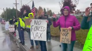 Boeing Workers Protest Vaccine Mandate En Masse Outside Washington Factory