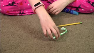 Easy Kid Projects ~ Make Christmas Decorations Candy Cane Ornament