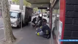 Melbourne Police VIOLENTLY ARREST Those Without Vaccine Passports