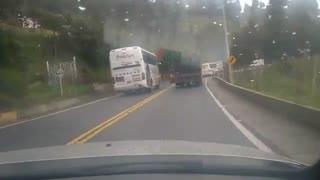 Video registró peligrosa maniobra en vía Bucaramanga - Pamplona