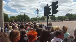 Buckingham Palace - coaches arriving