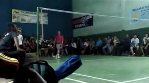 Playing badminton with flashing shoes [part 5]