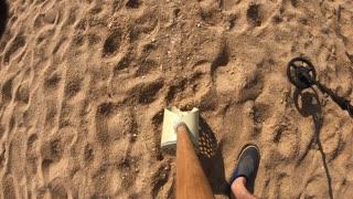 beach metal detecting (5)