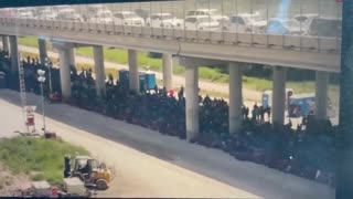 Hundreds of Illegals Held By Border Patrol in Texas...!!