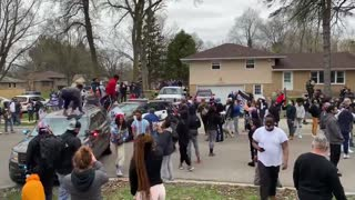 Protesters attack police vehicles: Brooklyn Center, MN