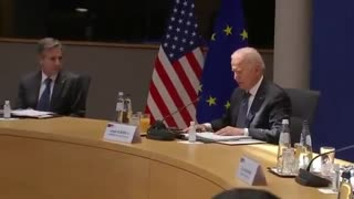 Biden apparently gets lost reading his notes at EU-US summit.