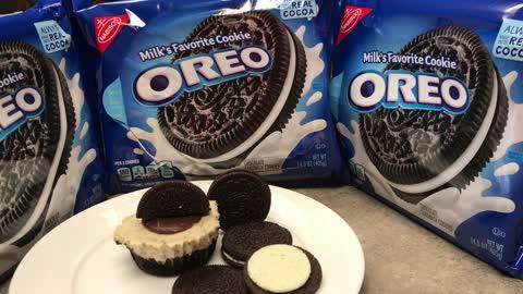 Oreo cheesecake cupcakes!!
