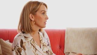 S1E7   Cassandra Hager   Bonus Clip 2   Workplace Communication
