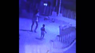[Video] Quitan custodia a madre que golpeaba a su bebé