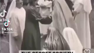 Exposing Queen Elizabeth and secret society