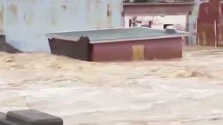 News Crew Close Call in Bridge Collapse