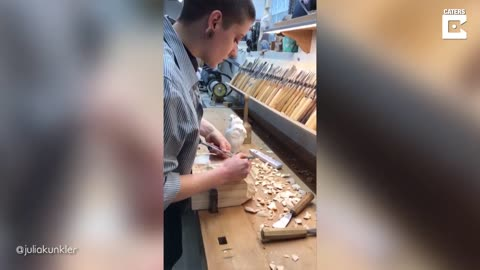 Talented Artist Carves Realistic Human Heart Out Of Wood