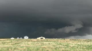 Storm Chasers Capture Huge Storm Supercell