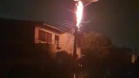 Barrio Chino: incendio en transformador casi provoca tragedia